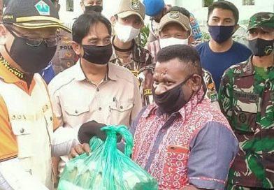 Bakti Sosial dan Penyerahan Bantuan Bagi Mahasiswa Perantauan Asal Papua Barat