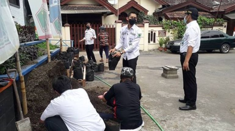Persiapan Urban Farming di Kelurahan Penanggungan